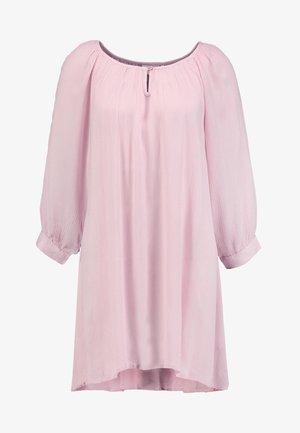 AMBER - Tuniek - pink nectar