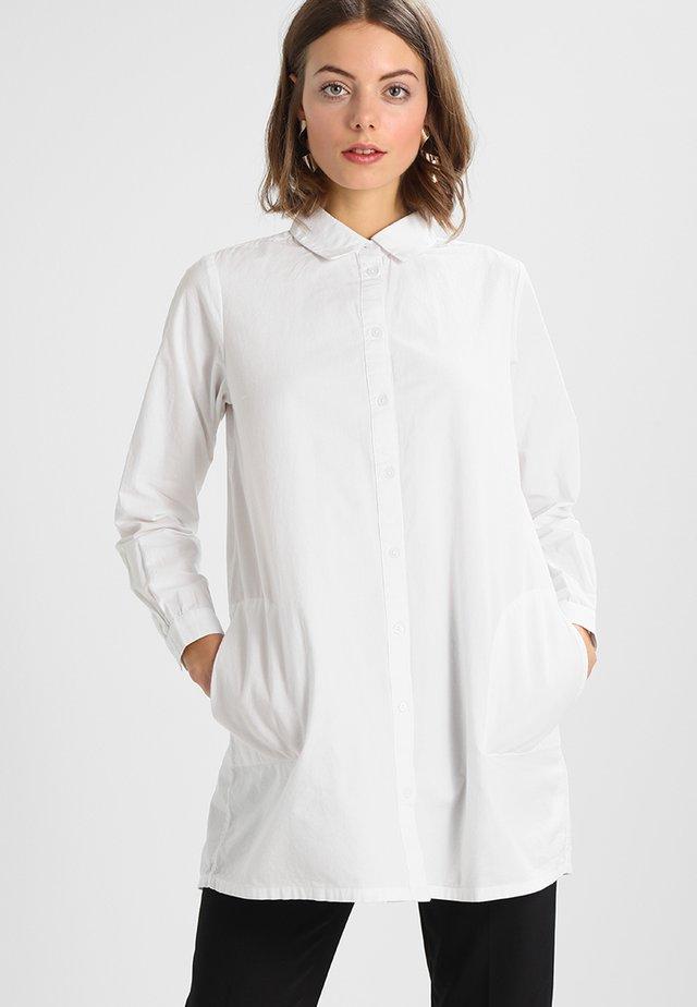 HOLLY - Button-down blouse - optical white