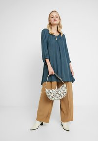 Kaffe - AMBER TUNIC - Tunika - orion blue - 1