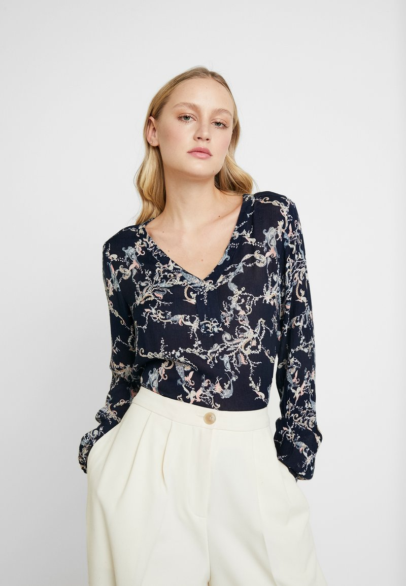 Kaffe - EVERLYN AMBER BLOUSE - Blouse - midnight marine