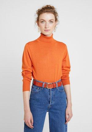 ASTRID ROLL NECK - Stickad tröja - burnt orange