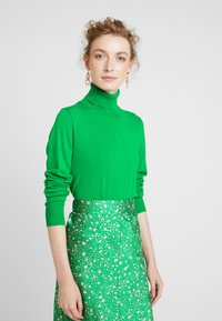 Kaffe - ASTRID ROLL NECK - Sweter - fern green - 0