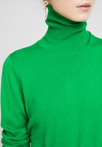 Kaffe - ASTRID ROLL NECK - Strikkegenser - fern green - 5