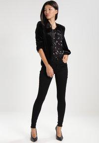 Kaffe - GRACE  - Jeans Skinny Fit - black deep - 2