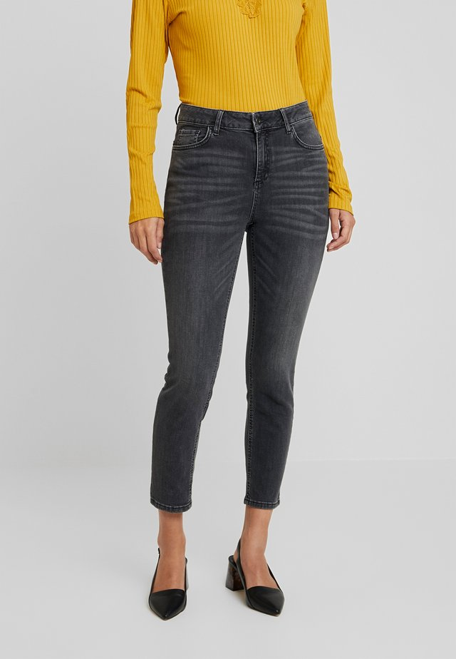 LIANNA CROPPED - Jeansy Skinny Fit - dark grey denim