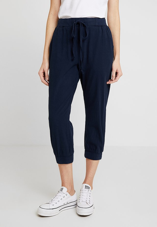 NAYA CAPRI - Trousers - midnight marine
