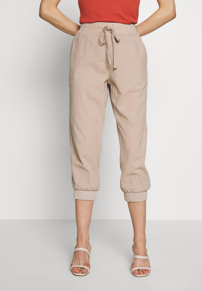 Kaffe - NAYA CAPRI - Trousers - cobblestone