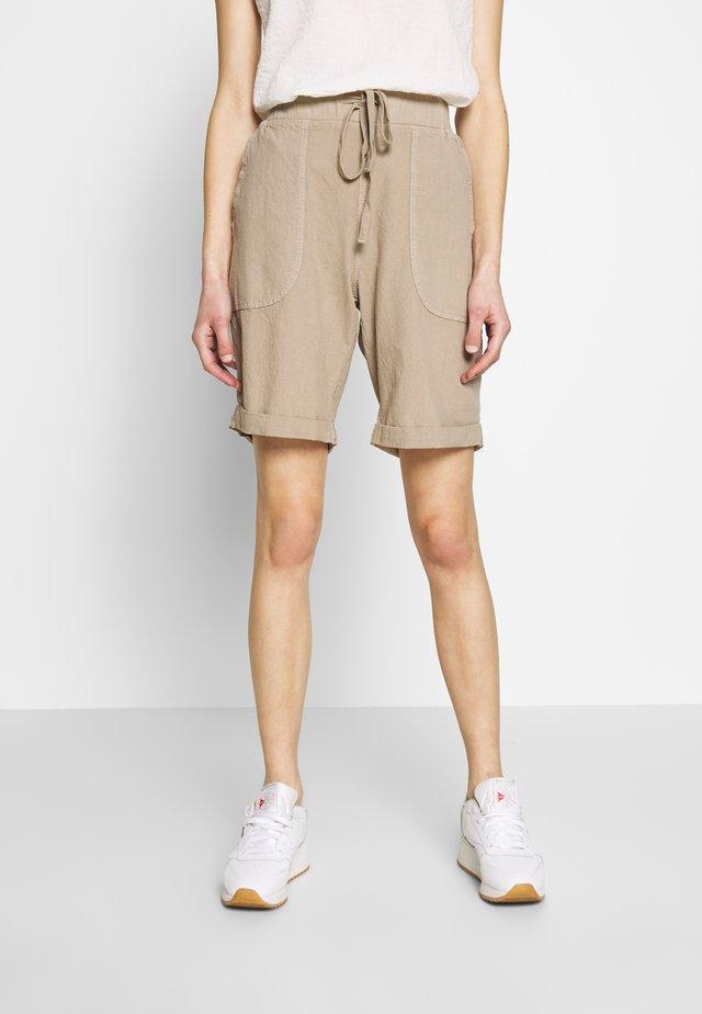 KANAYA - Shorts - cobblestone