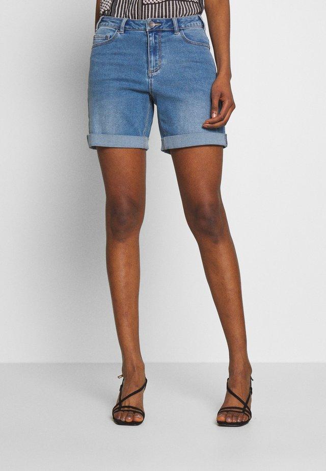KADEMI - Jeans Short / cowboy shorts - heavy denim wash