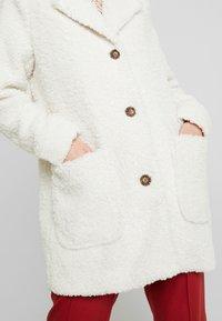 Kaffe - KABALMA SHORT COAT - Winter coat - chalk - 5