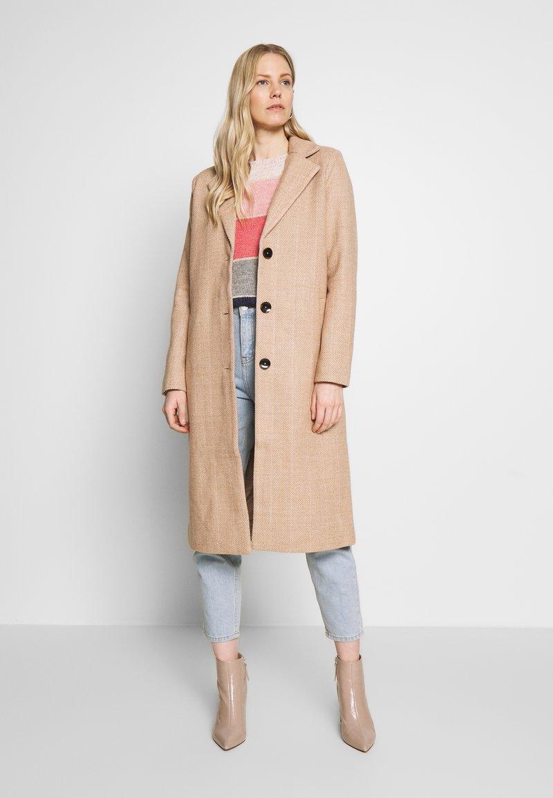 Kaffe - KATANNE COAT - Classic coat - tannin