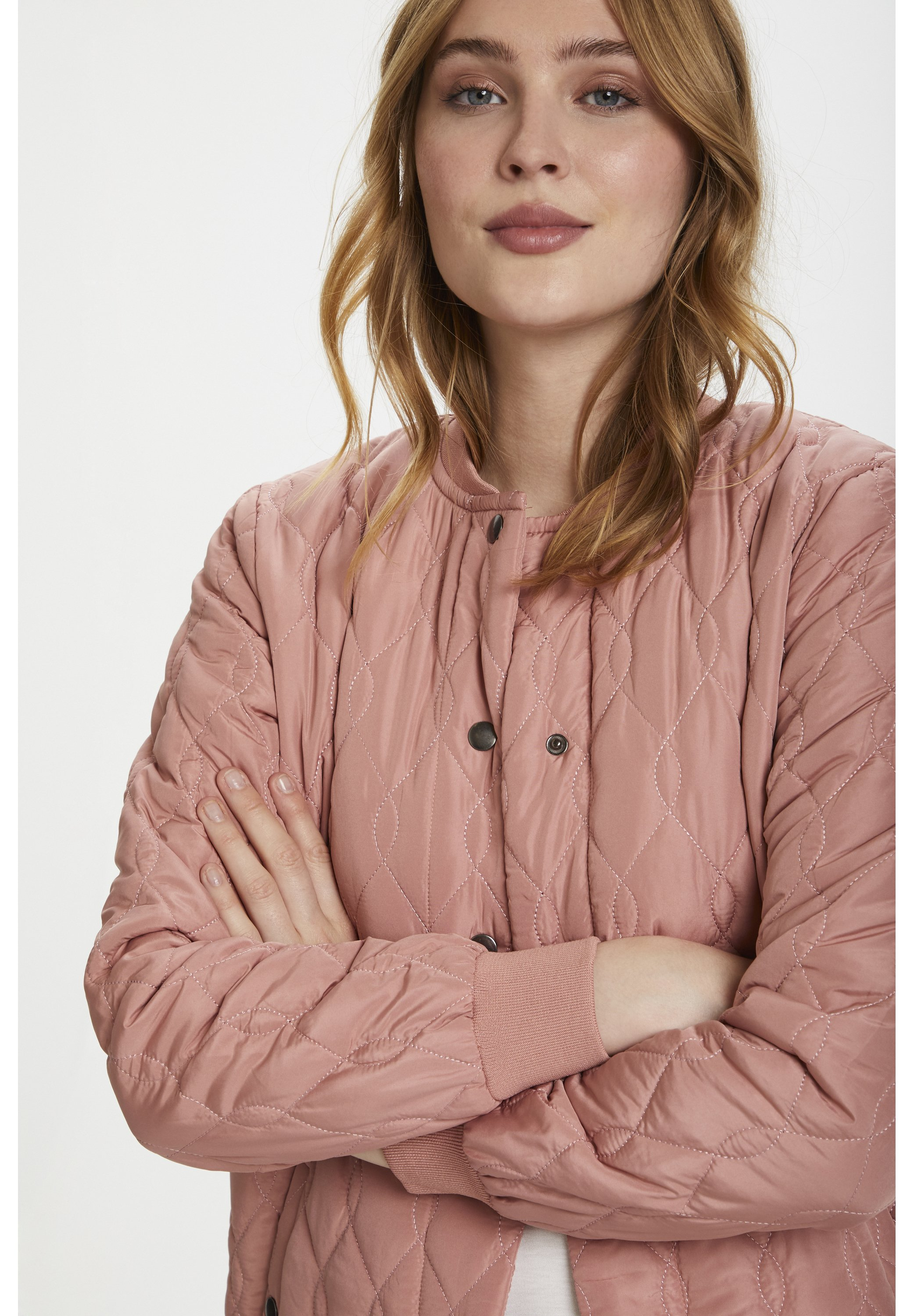 SHALLY QUILTED COAT Kort kappa rock old rose