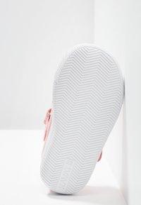 Kavat - MÖLNLYCKE - Zapatos con cierre adhesivo - pink - 5