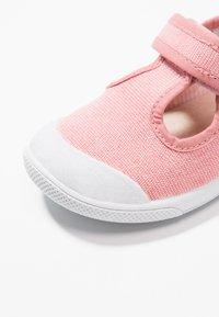 Kavat - MÖLNLYCKE - Zapatos con cierre adhesivo - pink - 2