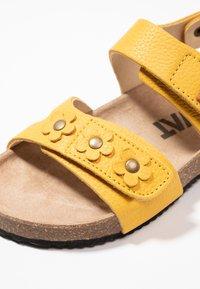Kavat - SKOGHUS - Sandaler - yellow - 2