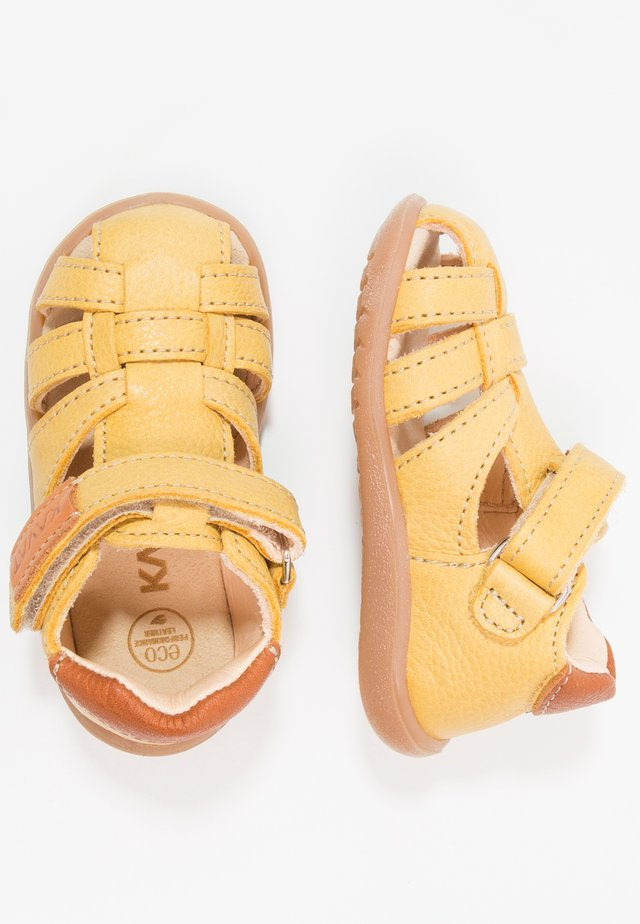 RULLSAND - Baby shoes - yellow