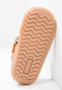Kavat - RULLSAND - Baby shoes - light brown - 4