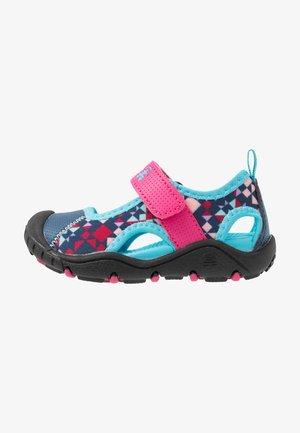 CLAIRE - Sandales de randonnée - magenta