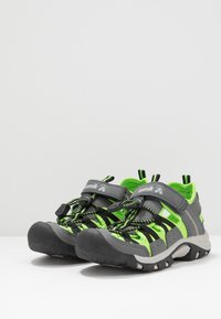 Kamik - WILDCAT - Vandringssandaler - charcoal lime/charbon citron vert - 3