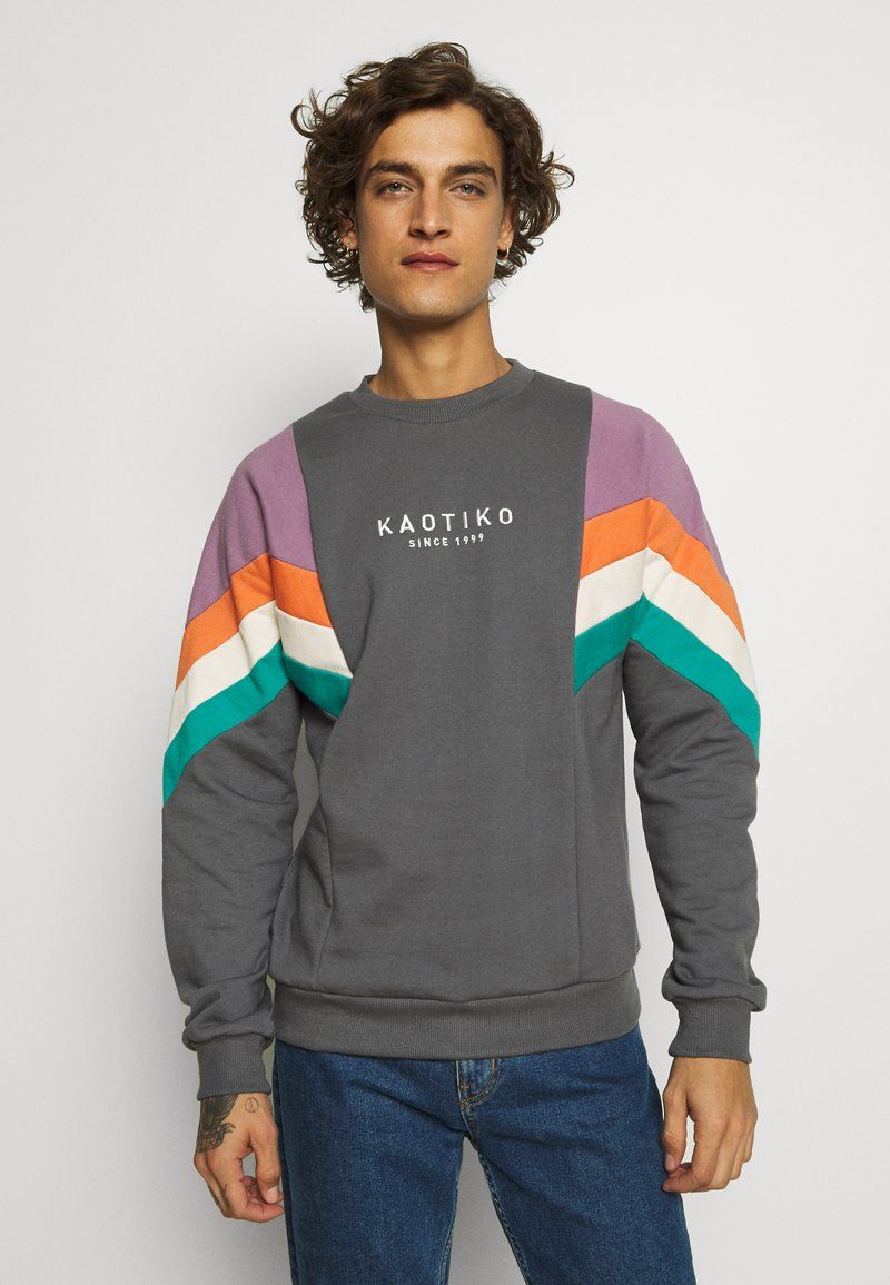 Kaotiko - CREW SEATTLE UNISEX - Bluza - dark grey