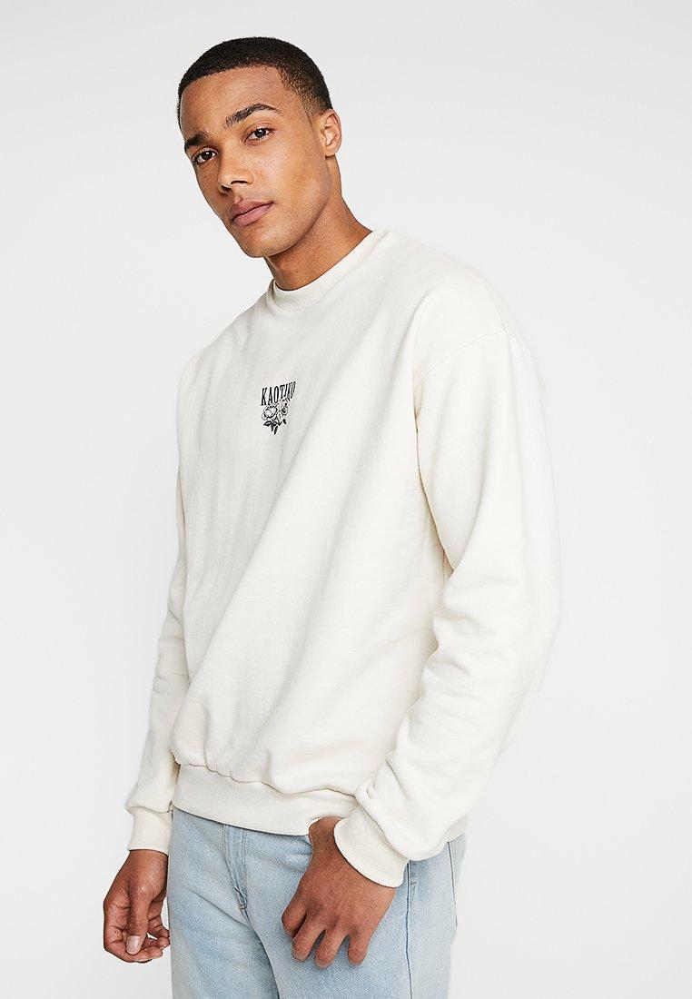 Kaotiko - Sweatshirt - white