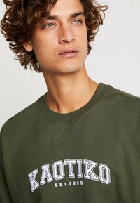 Kaotiko - Sweater - dark green - 4