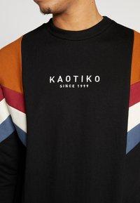 Kaotiko - CREW SEATTLE - Hoodie met rits - black - 5
