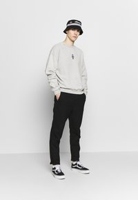 Kaotiko - Sweater - grey - 1