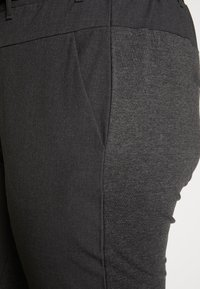 Kaffe Curve - JIA BELT PANTS - Trousers - dark grey melange - 4