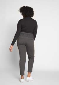 Kaffe Curve - JIA BELT PANTS - Trousers - dark grey melange - 2