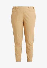 Kaffe Curve - NAJA PANTS - Kalhoty - tannin - 5