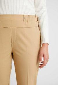 Kaffe Curve - NAJA PANTS - Kalhoty - tannin - 6