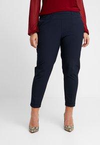 Kaffe Curve - KCNAJA 7/8 PANTS - Pantalon classique - midnight marine - 0