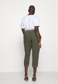 Kaffe Curve - CAPRI PANTS - Kalhoty - grape leaf