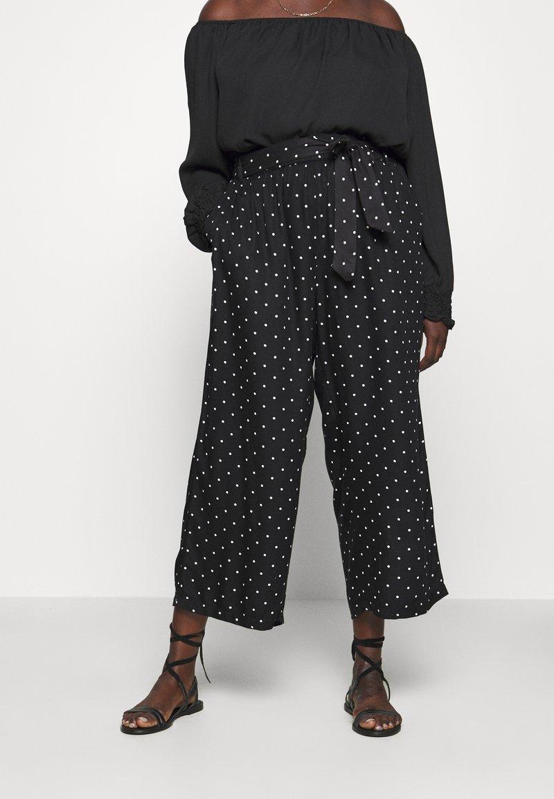 Kaffe Curve - DANKA CULOTTE PANTS - Kalhoty - black deep