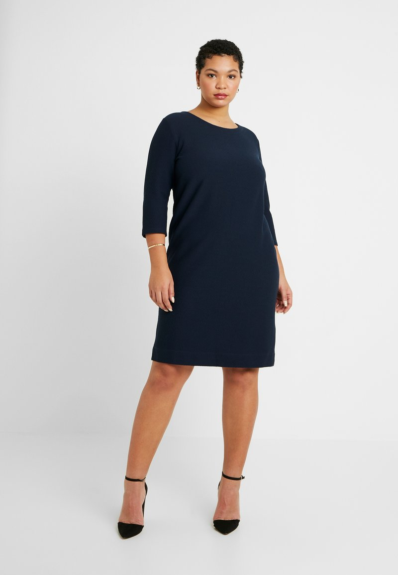 Kaffe Curve - BEA CROPPED SLEEVE DRESS - Trikoomekko - midnight marine