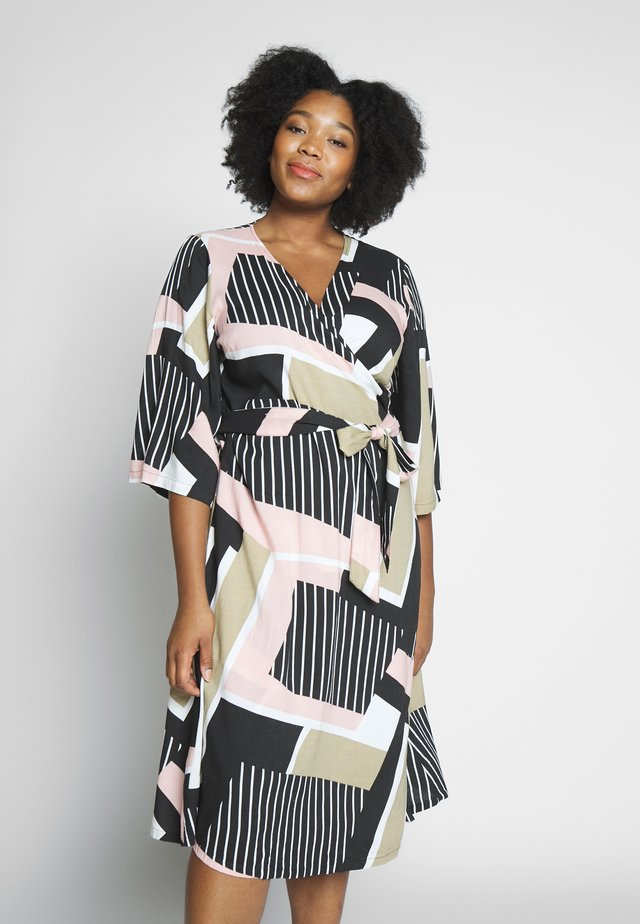KCVERONICA WRAP DRESS - Sukienka letnia - light pink