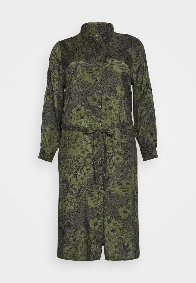 MONT DRESS - Košilové šaty - grape leaf