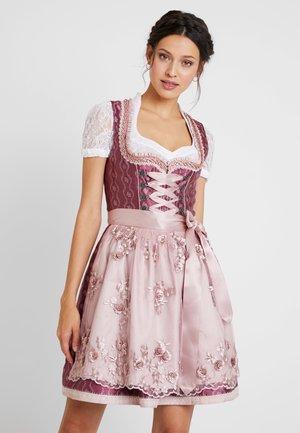 Oktoberfestklær - pink