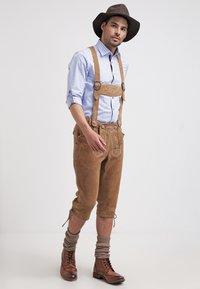 Krüger Dirndl - Kožené kalhoty - hellbraun - 1