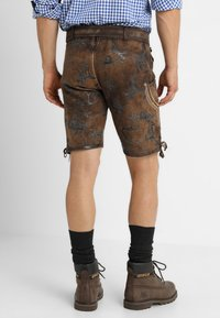 Krüger Dirndl - MIT GÜRTEL - Kožené kalhoty - braun - 2