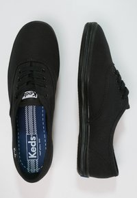 Keds - CHAMPION - Baskets basses - black - 1
