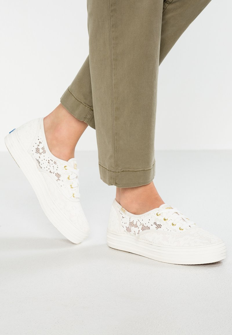 Keds - TRIPLE PAINTED CROCHET - Sneaker low - cream