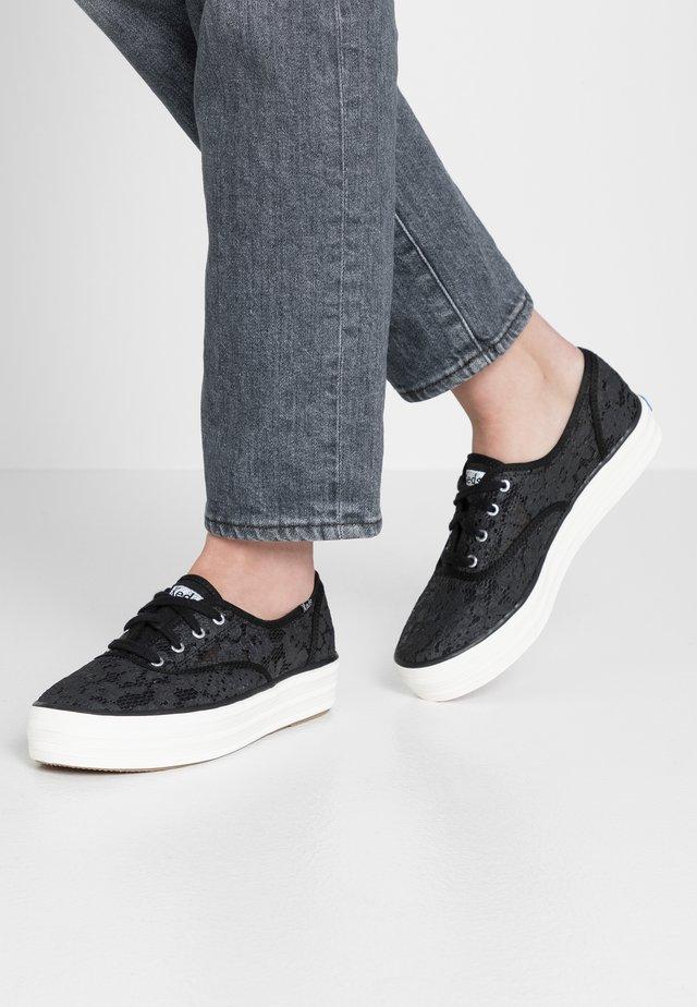 TRIPLE PAINTED CROCHET - Sneaker low - black