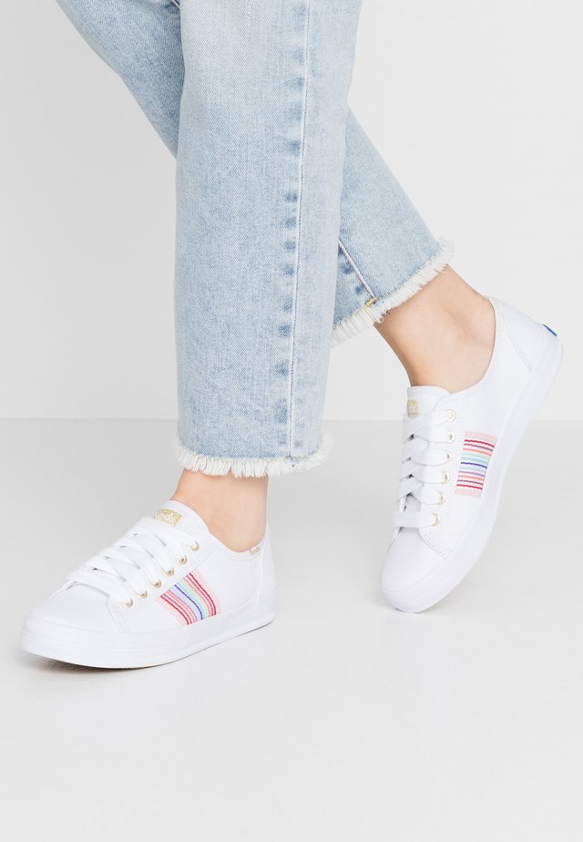 KICKSTART RAINBOW - Sneakersy niskie - white