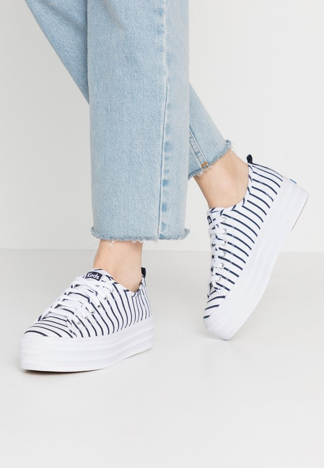 TRIPLE UP BRETON STRIPE - Joggesko - white/navy