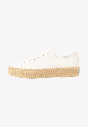 TRIPLE KICK  - Loafers - white