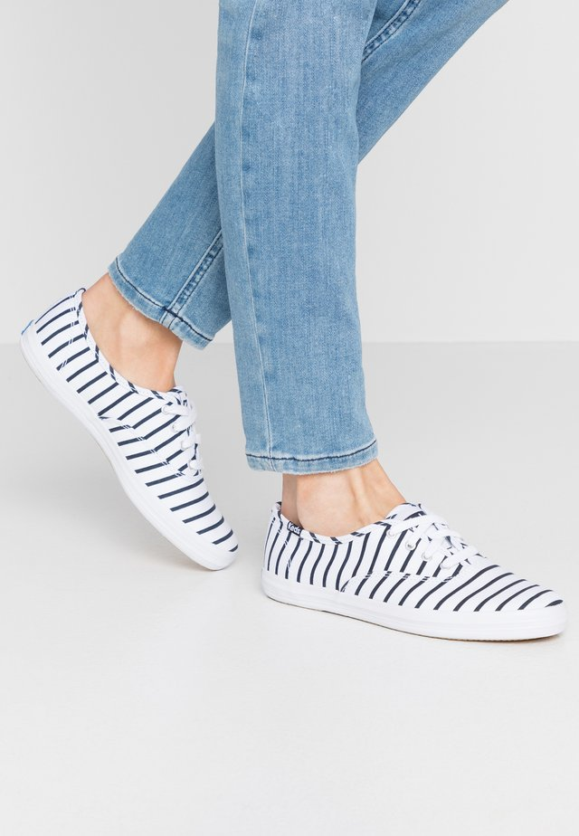 CHAMPION BRETON STRIPE - Baskets basses - white/navy