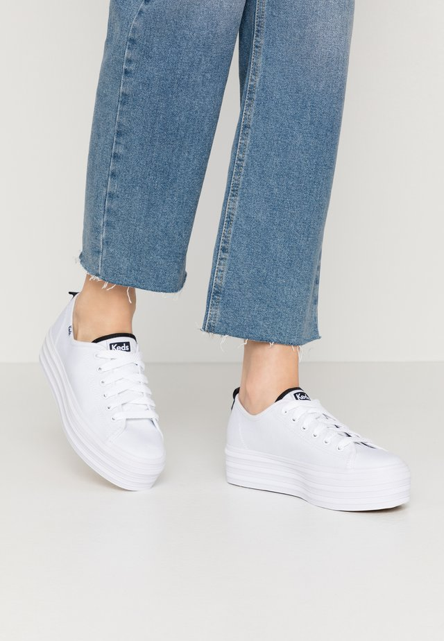 TRIPLE UP SEASONAL SOLIDS - Sneakers laag - white