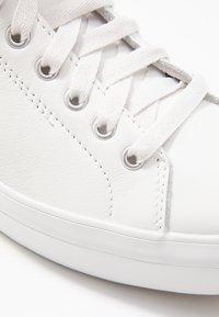 Keds - RISE  - Korkeavartiset tennarit - white - 2